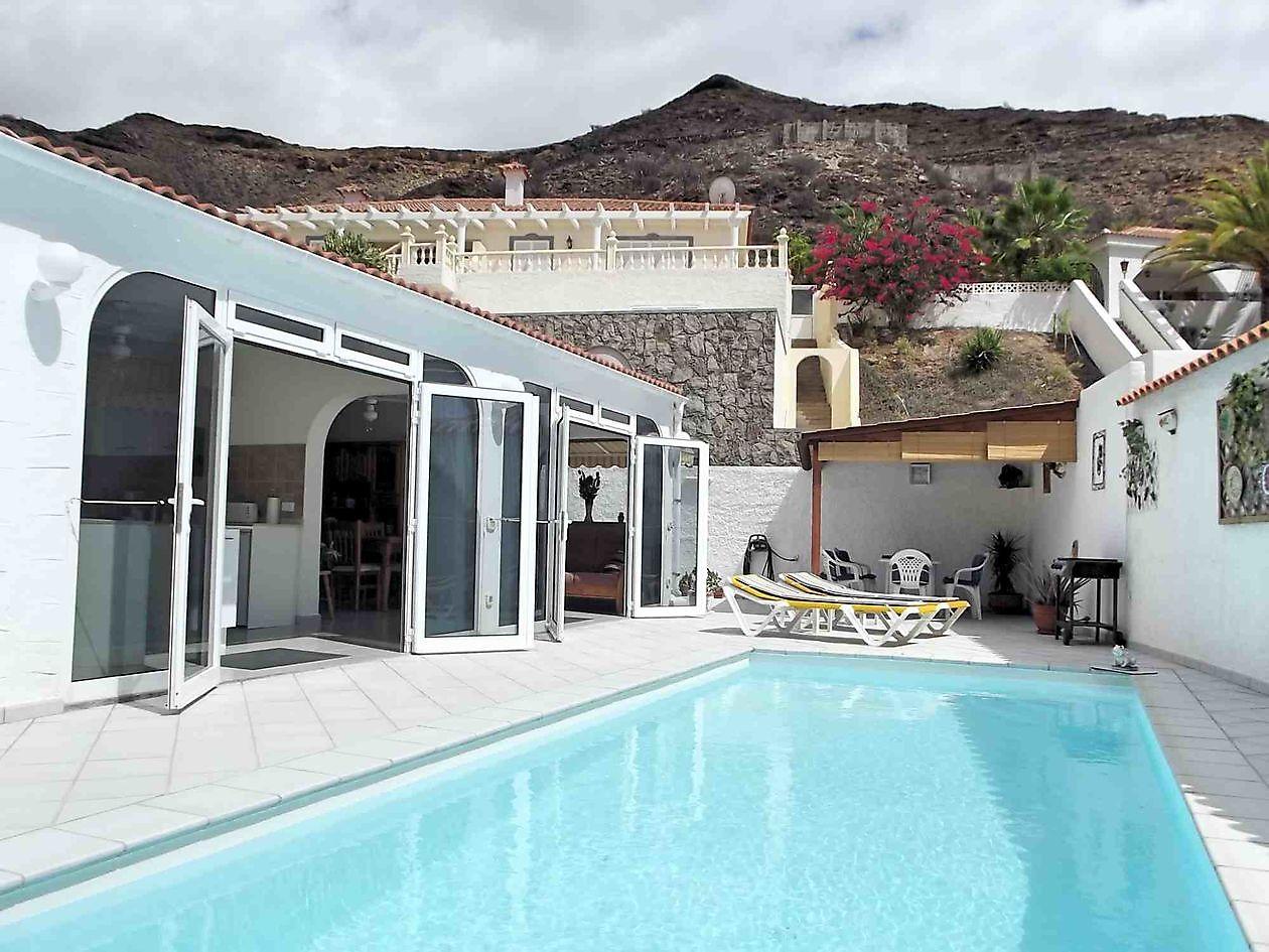 100 bungalows gran canaria hotels gran canaria for Bungalows jardin del sol gran canaria